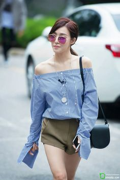 Tiffany Hwang Girls Generation SNSD Fashion pretty on the point