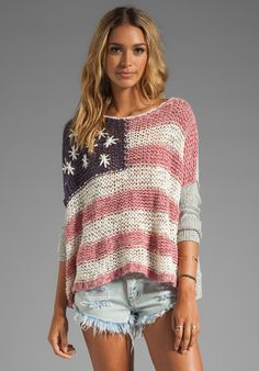 Amazing flag sweater! I want to make this so bad....