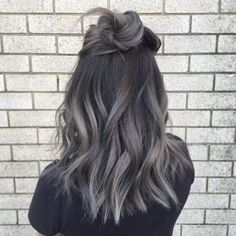 What a trendy color! #grey #color #hair #hairdo #haare #style #grau #schwarz