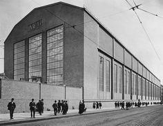 Berlin (1910) AEG Factory . Peter Behrens