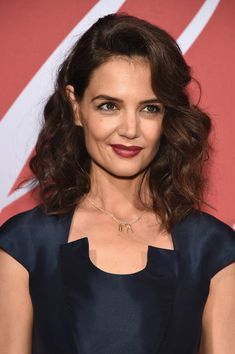 Katie Holmes' Medium Curls - The Most Gorgeous Hairstyles From Our Favorite Celebrities - Photos
