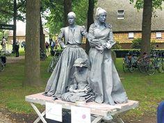 Feniks 'standbeelden' Drents kampioen - De Krant Living Statue, Garden Sculpture, Outdoor Decor