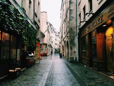 The Six Streets I walk Down Everytime I'm in Paris- One of the best ways to explore Paris is on foot. Here's where to go.