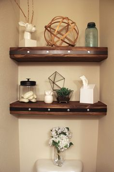Check out these amazing #DIY modern floating shelves. Skill level = advanced.