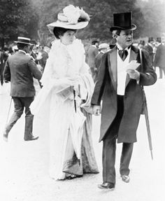 Consuelo Vanderbilt, then Duchess of Marlborough, and her father William Kissam Vanderbilt, at a race in Paris. Mr Vanderbilt bought a chateau and there created one of the greatest racing stables of the period.