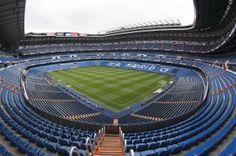 Real Madrid was de eerste Europese voetbalclub die startte met het project Connected Stadium. Zij wilden de supporters een dienst verlenen. Via verschillende applicaties beschikten toeschouwers over verschillende applicaties.