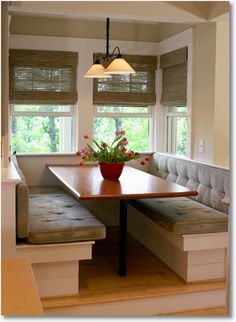 love the bench seats at the breakfast table. can save the dining room for big occasions/dinner, eat small meals (breakfast, lunch) at this more intimate nook