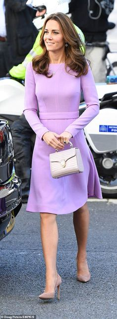 The Duke and Duchess of Cambridge attended the first Global Ministerial Mental Health Summit, which aims to promote better mental health for all. Princess Kate Middleton wore her lavender Emilia Wickstead' A-line Wool-Crepe Dress Kate Middleton New Hair, Kate Middleton Outfits, Princess Kate Middleton, Kate Middleton Prince William, Kate Middleton Style, Pippa Middleton, Princess Diana, Duchess Kate, Duchess Of Cambridge