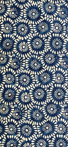 """Tonga Batik Kiss"" Indonesian batik (ink and wax) print in blue/indigo Motifs Textiles, Textile Patterns, Color Patterns, Print Patterns, Floral Patterns, Textile Pattern Design, Indian Patterns, Floral Designs, Motif Floral"