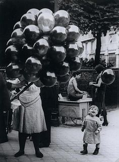 George Brassai The Balloon Merchant, 1931. This picture makes me happy