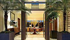 Rumah mewah ini berada di lingkungan eksklusif Beverly Hills. Foto: Robb Report