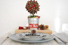 http://www.sosunny.es/2015/12/decorar-con-pinas-en-navidad.html