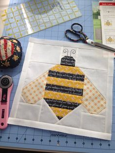 Joining in with Freshly Pieced for WIP Wednesday: I worked on my Quilty Fun sew along off and on all winter. It was a fun project to do, . Paper Piecing Patterns, Quilt Block Patterns, Pattern Blocks, Quilt Blocks, Animal Quilts, Bee Crafts, Girls Quilts, Barn Quilts, Mini Quilts