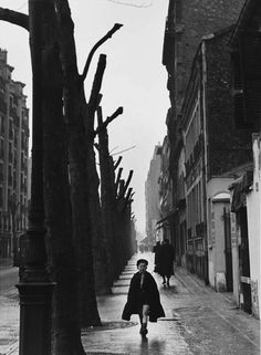 Todd Webb, Rue Chatillon, Paris, 1949. S)