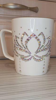Tumblers, Cricut, Rose Gold, Craft Ideas, Diy Crafts, Mugs, Tableware, Vases, Cup Decorating