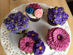 cupcake buttercream flowers