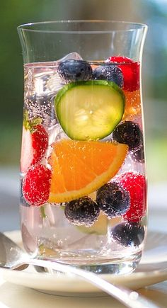 Summer Blueberry Spritzer