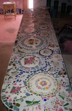 DIY Mosaic-Kitchen-Counter...would be perfect for summer kitchen/BBQ space outside......I would love to create such a unique piece !