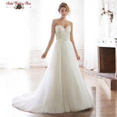 so amazing wedding dress ,lace beadings top and elegant vinateg soft tulle skirt, love ~~~~~~