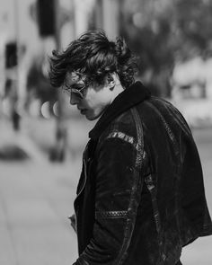 Barns Courtney, Music Aesthetic, Frank Iero, Celebs, Singer, Guys, People, Fictional Characters, Artists