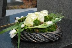 Funeral Flowers, In Loving Memory, Diy Projects To Try, Flower Arrangements, Cabbage, Bouquet, Diy Crafts, Vegetables, Google
