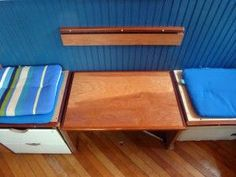 Living in a small house. Small Bench Seat, Corner Bench Seating, Bench Seat Covers, Dining Room Bench Seating, Storage Bench Seating, Built In Bench, Outdoor Seating, Balcony Bench, Best Desk