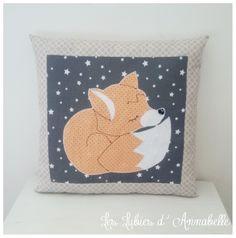 Coussin sieste/ coussin décoratif /doudou thème renard