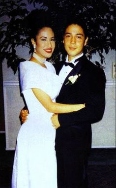 chris and selena perez Selena Quintanilla Perez, Selena And Chris Perez, I Miss Her, Music Is Life, Cute Couples, My Girl, Hollywood, Singer, Vestidos