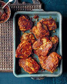 Masala chicken (masala murg) Quick Chicken Recipes, Chicken Thigh Recipes, Quick Meals, Chicken Masala, Chicken Spices, Chaat Recipe, Masala Recipe, Curry Recipes, Vegetarian Recipes