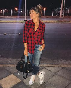 55 Cute Casual Shirt Ideas For Teen Girls You could roll your sleeves to produce the outfit feel merely a little more casual, as opposed to stuffy. Outfits Con Camisa, Plaid Shirt Outfits, Outfits With Converse, Jean Outfits, Casual Outfits, Cute Outfits, Fashion Outfits, Outfit Jeans, Red Flannel Outfit