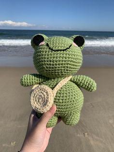 Diy Crochet Projects, Crochet Crafts, Crochet Toys, Knit Crochet, Sewing Projects, Kawaii Crochet, Cute Crochet, Crochet Designs, Crochet Patterns