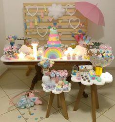 Chuva de amor da princesa liz  Para chuva real acontecer, alguns fatores climáticos são necessários. Para uma chuva com tanta fofura como essa, apenas muito AMOR! Mais uma fotinha, pq a mamãe tá muito apaixonada  . . . . . . . . #encontrandoideias #blogencontrandoideias #festainfantil #festachuvadeamor #chuvadeamor #mamaefesteira #bday #decoracaoinfantil #festainfantil #maedemenina #photography
