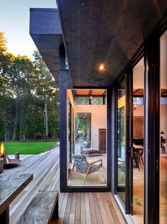 Robins Way Residence in New York by Bates Masi Architects