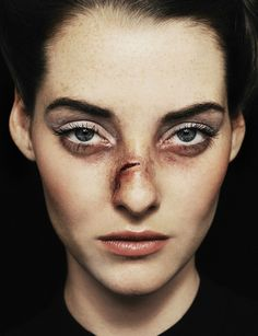 """Victim of Beauty"", Fotografia por Vassil Germanov para ""12 magazine"" 2012"