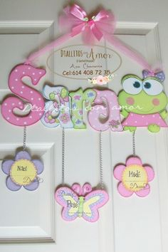 Baby Decor, Kids Decor, Foam Crafts, Diy And Crafts, Baby Door Hangers, Baby Shawer, Baby Mobile, Home And Deco, Wooden Letters