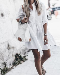 We've picked out our 15 favorite little white dresses to nail this fashion staple. We've also created a guide to help you choose and style your white dress. Summer Dress Outfits, Summer Dresses For Women, Casual Dresses, White Dress Casual, Fashion Moda, Look Fashion, Girl Fashion, Latest Fashion Clothes, Fashion Outfits