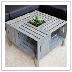 DIY rustic coffee table from wood pallets