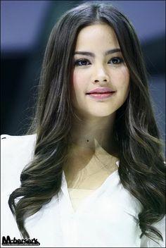 Yaya Urassaya Thai Actress