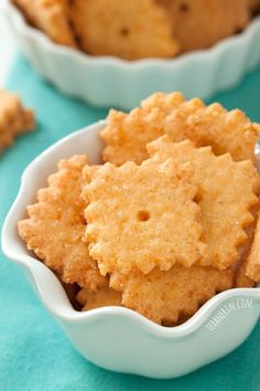 These gluten-free and grain-free cheese crackers are just as addictive as the more traditional kind!