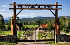 The Wild Bunch River Ranch, LLC is a Colorado sportsperson's playground! We also feature a acre . Farm Entrance, Driveway Entrance, Front Gates, Entrance Gates, Farm Gate, Farm Signs, Refuge, Front Entrances, Gate Design