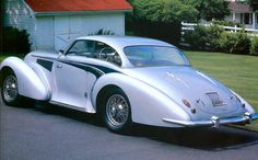 1941 Delahaye 135MS Body and design by the astonishing French coach builder Figoni et Falaschi. Extravagant doesn't really do it any justice, does it? Unfortunately, this would be the last (real) model Delahaye produced.
