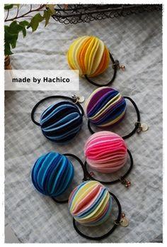 フェルトで簡単!ポンポンゴムの作り方 フェルト 編み物・手芸・ソーイング   アトリエ 手芸レシピ16,000件!みんなで作る手芸やハンドメイド作品、雑貨の作り方ポータル
