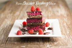 raw-chocolate-raspberry-slice