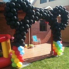 decoracion con globos para fiestas infantiles de mickey mouse - Buscar con Google