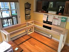 Diy Office Desk, Home Office Setup, Diy Desk, Home Office Design, Desk Plans Diy, Corner Office Desk, Craft Room Desk, L Shape Desk Diy, Wood Corner Desk