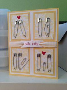 Klasse Idee zum Schmunzeln: Die Baby-Willkommenskarte aus Sicherheitsnadeln! Garantiert handmade, aber leider weiß ich nicht von wem - der Link führte ins Leere (daher von Pinner gepinnt) Nachtrag: 2015 created by Lynda Shrimpton