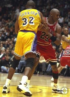 5163f9c7086a The Rematch Chicago s road win over the L. Lakers — with Michael Jordan and  Magic Johnson meeting on the court for the first time since Game 5 of the  1991 ...