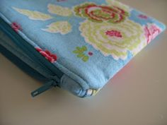 Flossie Teacakes: Lined, zippered pouch / make up bag tutorial