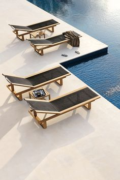 Outdoor lounger SIENA by Manutti. The warm charm of resilient wood that can withstand any raindrop and any temperature fluctuations. Outdoor Pool Furniture, Outdoor Decor, Outdoor Loungers, Pool Chairs, Pool Remodel, Outdoor Living Rooms, Lounge Chair Design, Outdoor Landscaping, Pool Designs