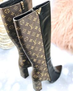 Fancy Shoes, Pretty Shoes, Cute Shoes, Me Too Shoes, High Heel Boots, Shoes Heels Boots, Heeled Boots, Zapatillas Louis Vuitton, Lv Boots